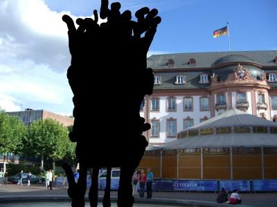 fastnachtsbrunnen_schwarz